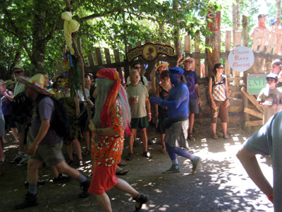 Oregon Country Fair - Please Keep Moving