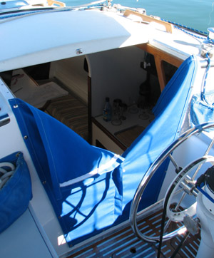 Searunner 31 Companionway curtains